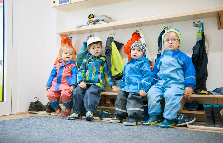 Kids in Motion - Miba - Carousel - Slide 3