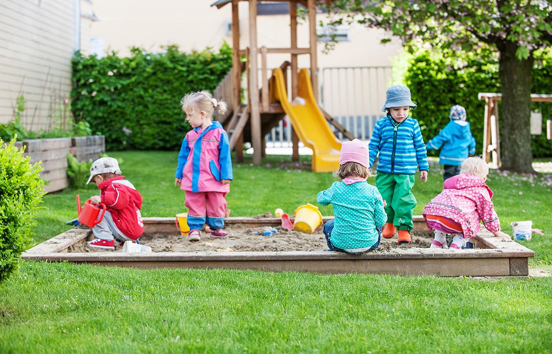 Kids in Motion - Miba - Carousel - Slide 4